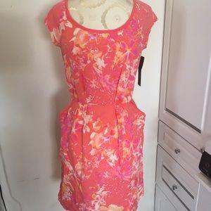 Dresses & Skirts - Coral print dress